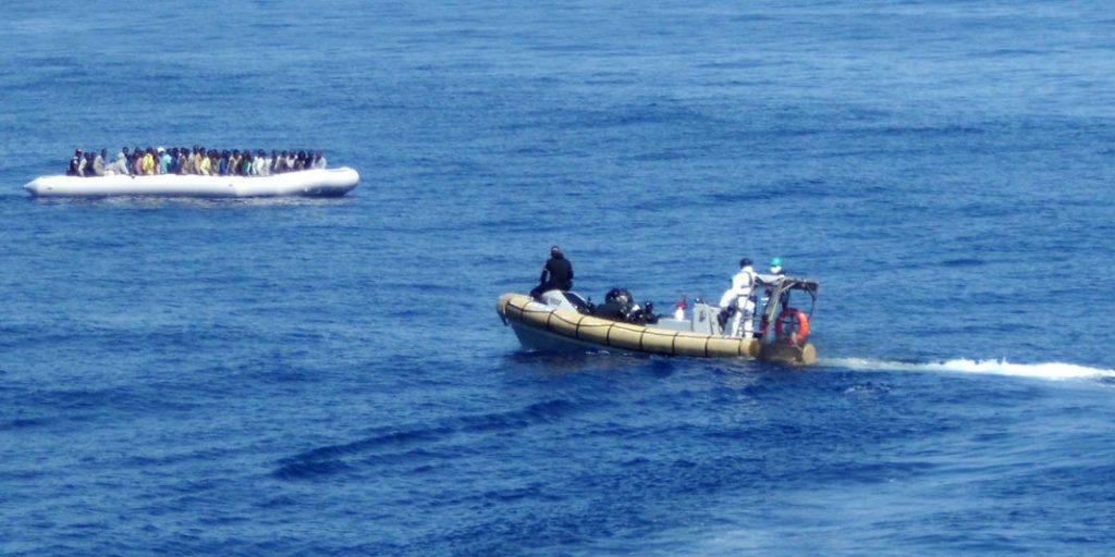 Lors d'une opération de sauvetage de la marine italienne au large de la Sicile, le 14 septembre. | AFP/-