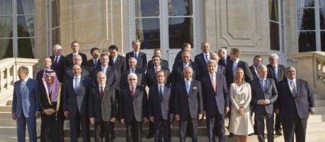 Réunis ce lundi à Paris, une trentaine de dirigeants mondiaux ont promis une aide militaire et humanitaire à l'Irak pour lutter contre le terrorisme.   | AFP/MICHEL EULER