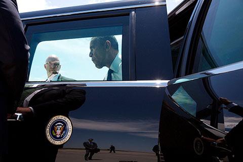 Obama sur le tarmac de l'aéroport de Denver, le 9 juillet 2014 Photo Pete Souza pour La Maison Blanche.