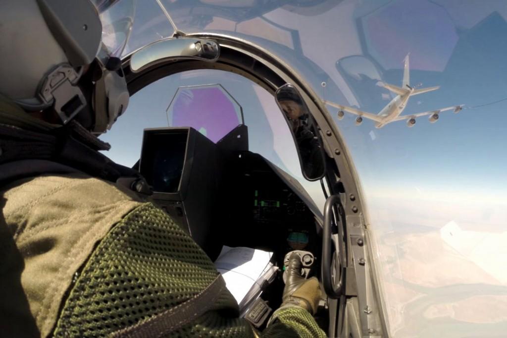 Un avion Rafale ravitaillé en vol lors d'une mission au-dessus de l'Irak. | AFP/JEAN-LUC BRUNET