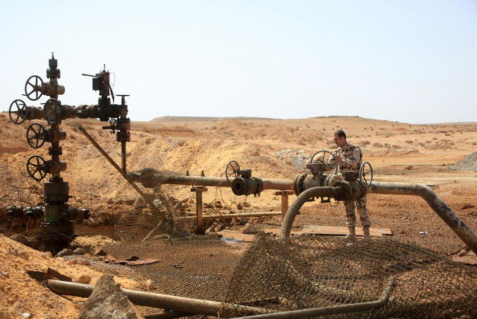 Un champ pétrolier  àJazel, près dePalmyre, enmars 2015. Lerégime syrien arepris la zone àl'Etat islamique.