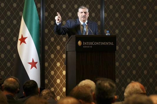 Riyad Hijab, coordinateur du Haut comité des négociations (HCN) syriennes, lors d'une conférence de presse à Genève le 19 avril 2016.