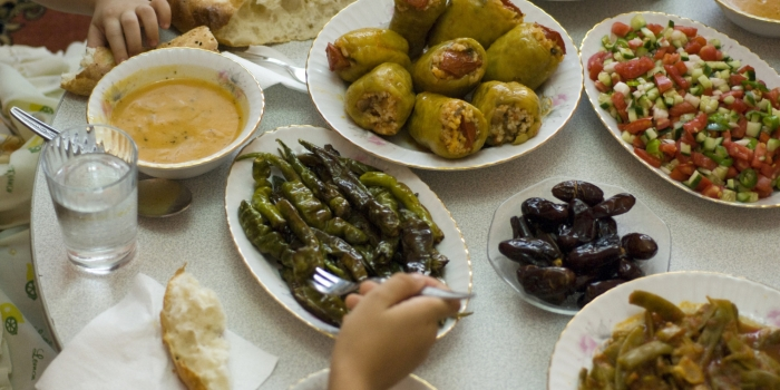 Traditional Ramadan Foods Disappear From Tables as Syrian Families Face Financial Hardship