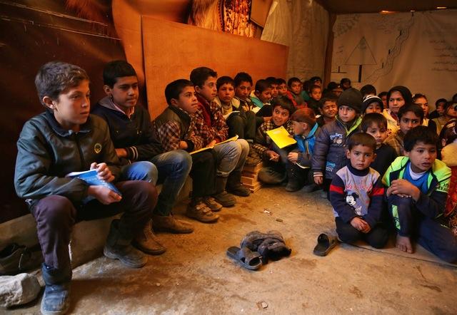 Mideast lebanon syrian refugees3