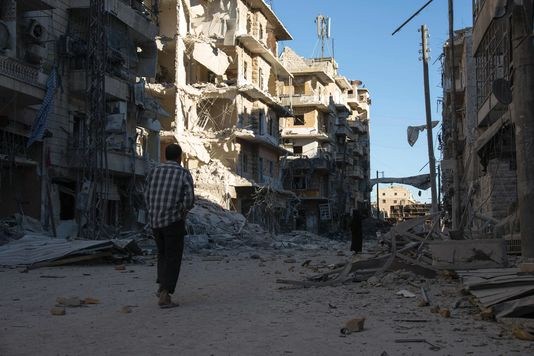 Les quartiers rebelles à l'est d'Alep sont frappés par des bombardements très violents du régime de Damas et de son allié russe.