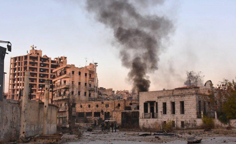 La rébellion s'effondre à, Alep, l'armée de Bachar Al Assad avec l'afflux de l'aviation russe est en train de reconquérir la 2ème ville du pays. Les habitants d'Alep subissent des bombardements incessants, la situation est pour eux, très critique. - © GEORGE OURFALIAN - AFP