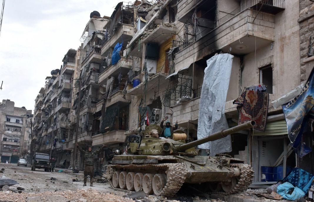 En Syrie, il n'y a plus aucune chance, étant donné le rapport de forces sur le terrain, que les prochains rounds des négociations de paix se tiennent sur la base d'une transition écartant Bachar Al-Assad du pouvoir.