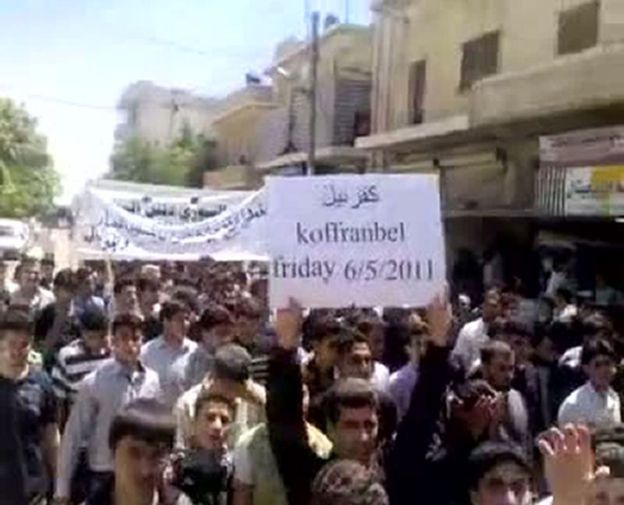 Demonstration in Kafranbel in May 2011