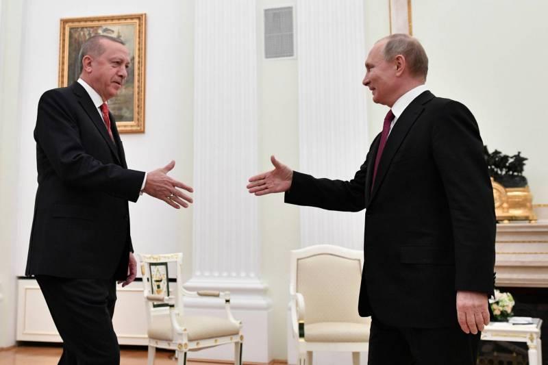 Le président russe Vladimir Poutine et son homologue turc Recep Tayyip Erdogan à Moscou. Alexander Nemenov/ AFP / POOL